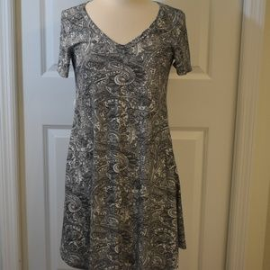 Euvre new black and white paisley dress size 14